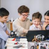 レゴスクールと子ども向けロボットプログラミング教室はどう違うのか