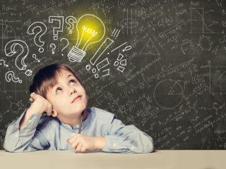 エリクソンの発達段階に応じた年齢別発達課題とは